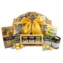 Gourmet Sweet N Savory Hamper: Christmas Gifts to Australia