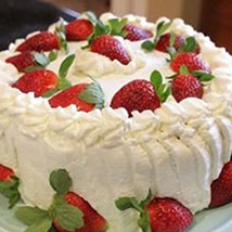 Luscious Strawberry Cake: Mothers Day Gifts to Canada
