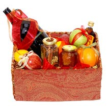 Mulled Wine Basket: Send New Year Gifts to Canada