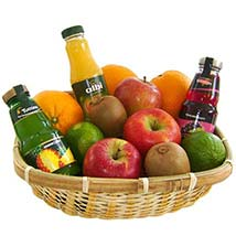 Our Fruit and Juice Gift Basket: Fathers Day Gifts to Germany