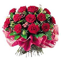 Deluxe Rose Bouquet: Wedding Gifts to Nepal