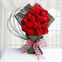 15 Red Roses Bunch: Valentine Flower Bouquets to UAE