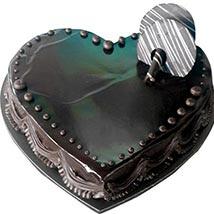 Chocolate Truffle Heartshape cake: Cakes for Valentines Day