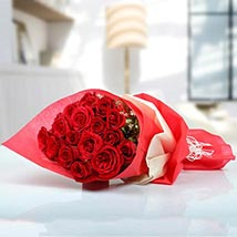 Enchanting Bouquet Of Showing Affection: Valentines Day Flower Bouquets UAE