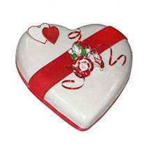 Heart Valentine Cake: Valentines Day Gifts for Her