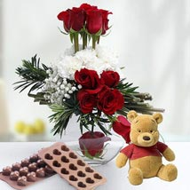Valentine Rose Combo: Send Chocolates for Eid to UAE