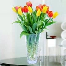 Vibrant Tulip Bouquet: Flower Delivery in UAE