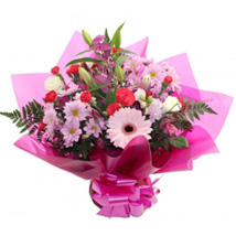 Gift For Mum: Flower Bouquets to UK