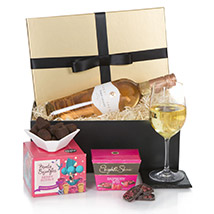 Hamper For Her: Anniversary Gifts to UK
