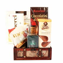 Passionate Love Basket: Send Mothers Day Gifts to UK