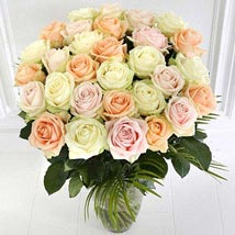 Premium Rose Bouquet: Gifts for Anniversary in UK