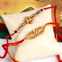 Radiant Rakhi Set: Send Gifts to New York